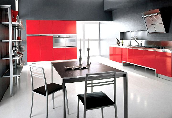 cuisine contemporaine laqu e rouge brillant b niste et cuisiniste dans le var reflets d 39 azur. Black Bedroom Furniture Sets. Home Design Ideas