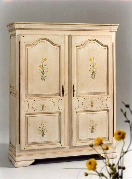 restauration d 39 une armoire de style proven al 2 portes. Black Bedroom Furniture Sets. Home Design Ideas